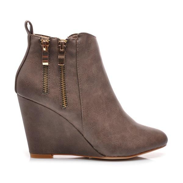 Okouzlující kotníkové boty na klínu 99609KH